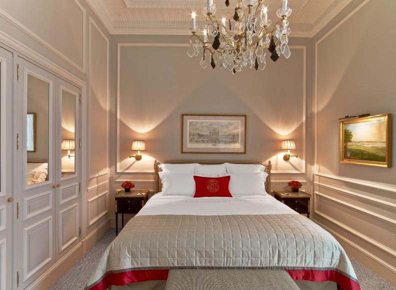 Hotel Plaza Athenee - Suite Superieure 218 - HR - (c) Eric Laignel 2 bis