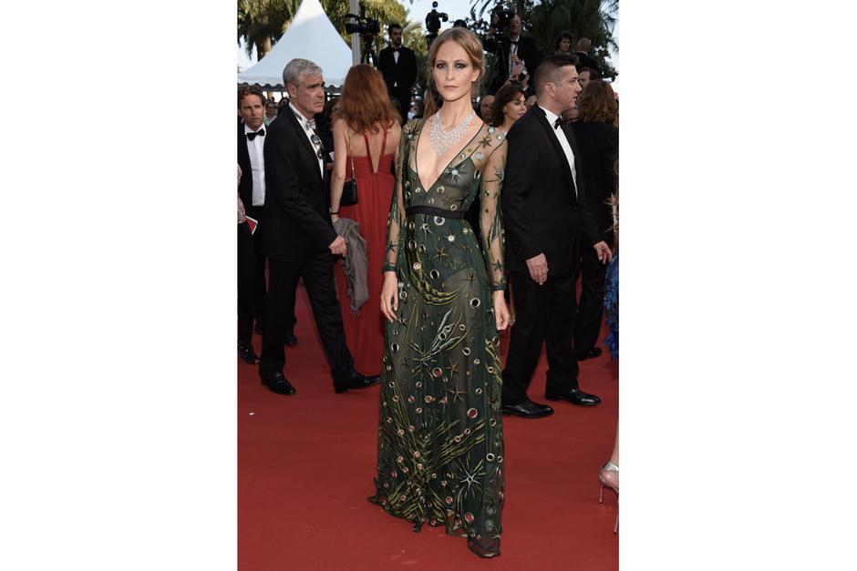 Cannes-2015-Poppy-Delevingne_hg_temp2_m_full_l