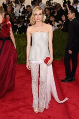diane_kruger_wore_chanel_haute_couture__jpg_2800_north_499x_white