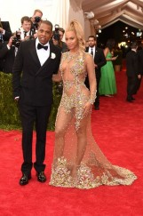 jay_z_and_beyonc___who_wore_a_givenchy_dress_jpg_5261_north_499x_white