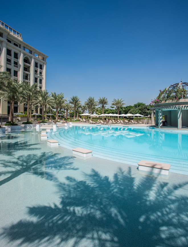 palazzo_versace_hotel_dubai_pool_jpg_1287_north_660x_white