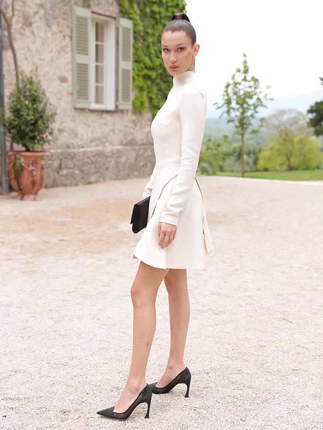 Dior-Chateau-de-la-Colle-Noire-Bella-Hadid2