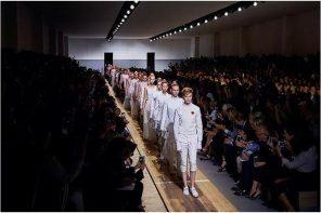 Défilé Dior Prêt-à-porter printemps été 2017: on dit oui au féminisme de Maria Grazia Chiuri