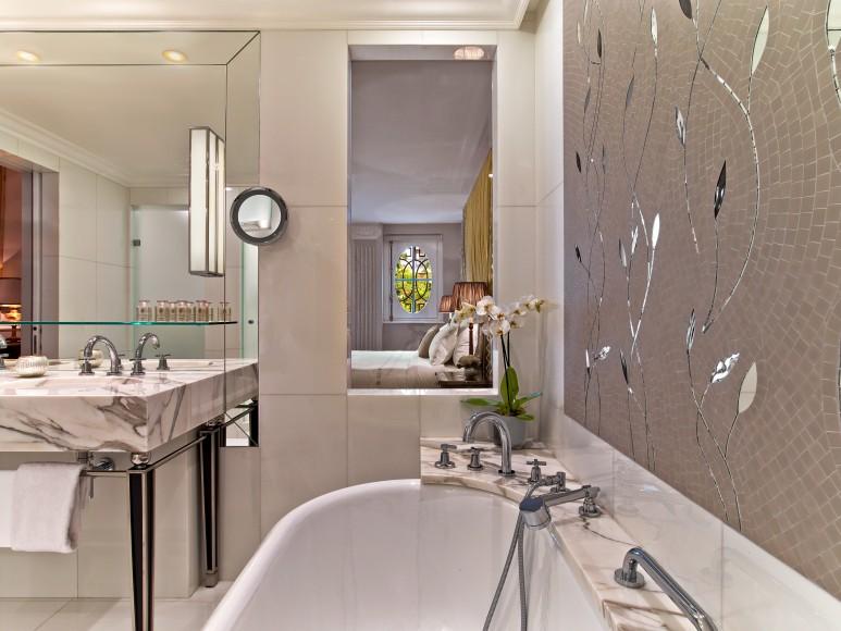 Hotel Plaza Athenee - Junior Suite Prestige 214 - HR - (c) Eric Laignel 5 bis