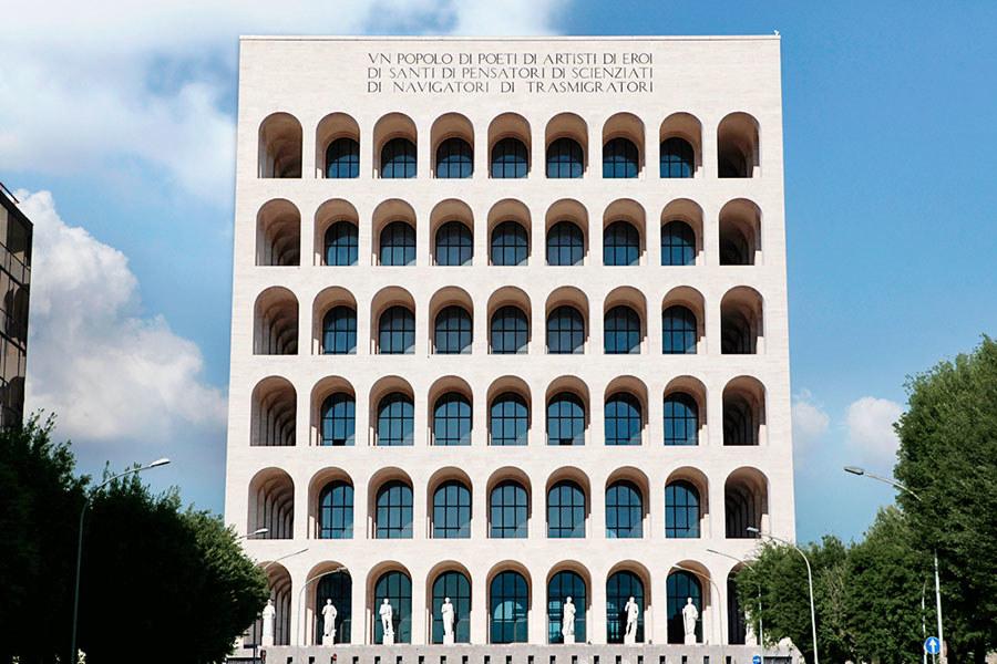 Fendi the new headquarter in rome avenue montaigne for Palazzo della civilta italiana fendi