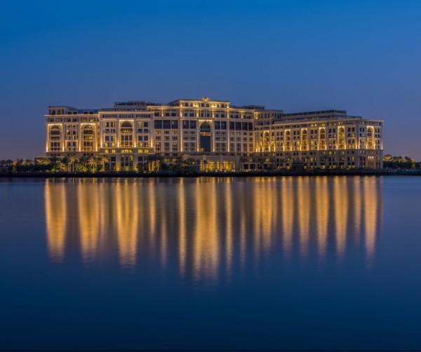 42a0b05326fc Versace ouvre un hôtel à Dubaï