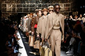 Fendi automne-hiver 2019: un podium sportswear signé Silvia Fendi et Karl Lagerfeld